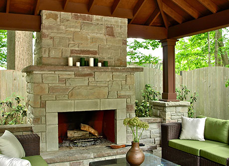16 Natural Fireplaces